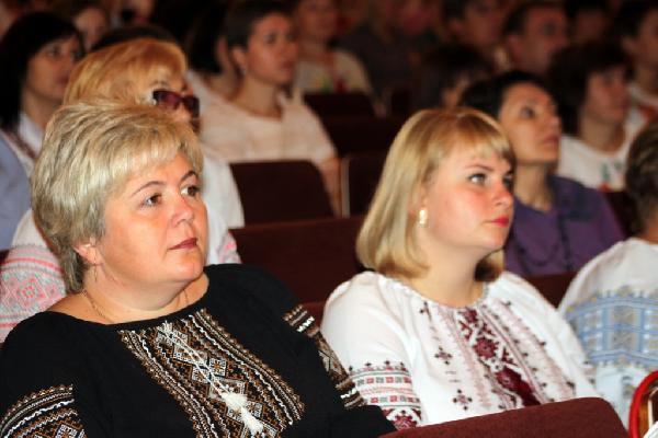 Традиційна серпнева конференція напередодні нового навчального року зібрала освітян Чернігівщини
