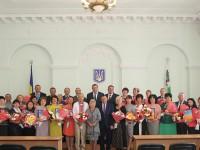 В Чернігівській області в святковій атмосфері вшанували державними нагородами заслужених освітян