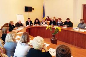 Пленум комітету Чернігівської міської організації Профспілки розглянув питання щодо надбавок за престижність педагогічної праці