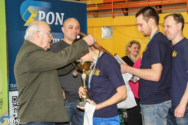 Чернігівські освітяни — серед кращих в Україні з настільного тенісу